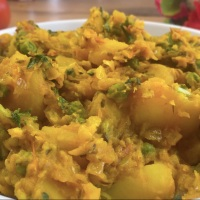 Potato and Peas Curry/Aloo Matar